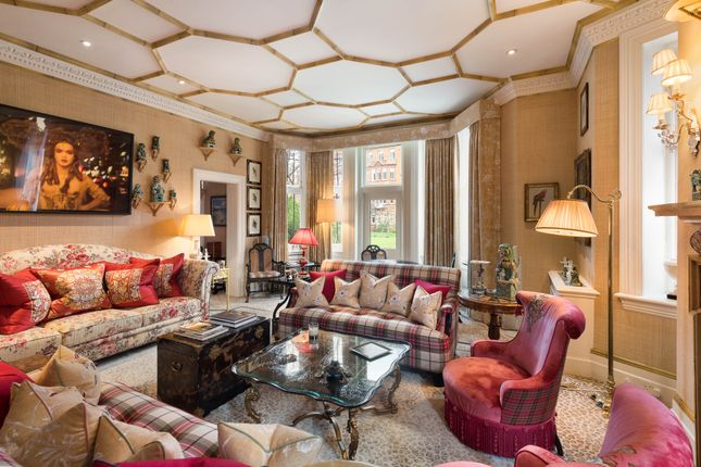 Thumbnail Town house for sale in Cadogan Gardens, Chelsea