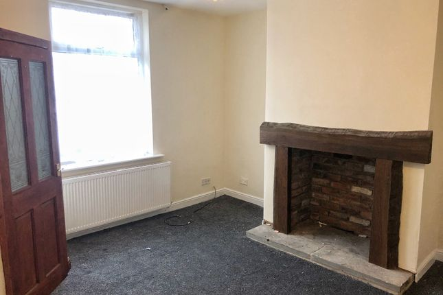Thumbnail Terraced house to rent in Featherstall Road, Rochdale