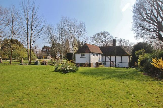 Thumbnail Detached house for sale in Three Oaks Lane, Wadhurst