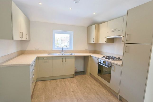 Thumbnail Flat to rent in First Floor Flat, 15 Beach Road, Eastbourne, East Sussex