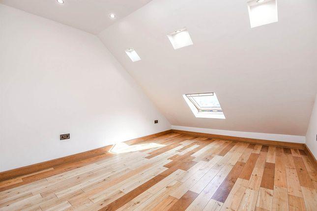 Thumbnail Flat for sale in Colney Hatch Lane, Friern Barnet, London