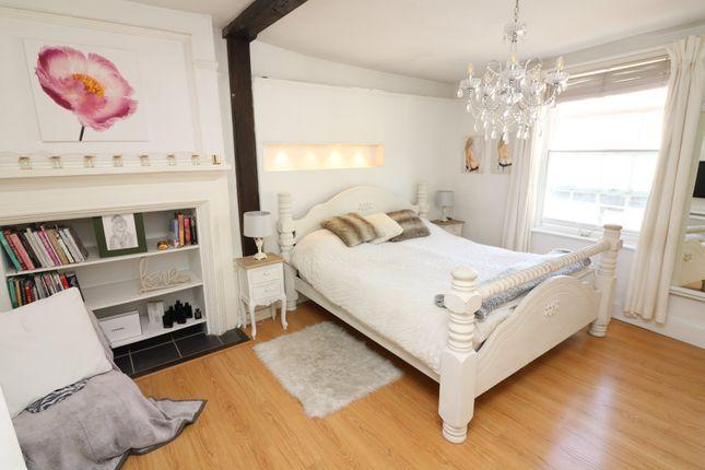 Terraced house to rent in Harnet Street, Sandwich, Kent