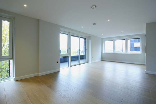 Thumbnail Flat for sale in The Cooper Building, 36 Wharf Road, London, Greater London