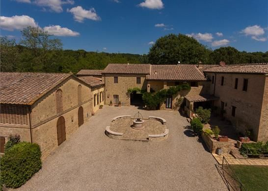 4 bed farmhouse for sale in 53022 Buonconvento Si, Italy