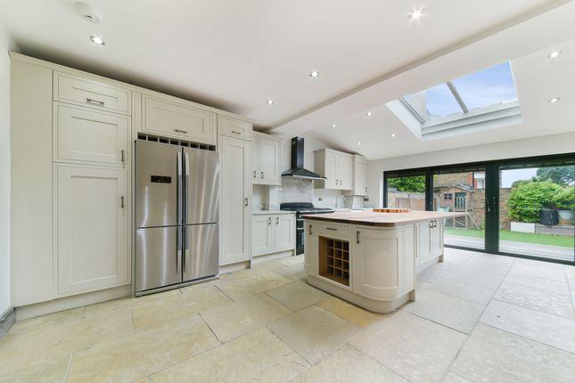 Thumbnail Property to rent in Lavenham Road, London