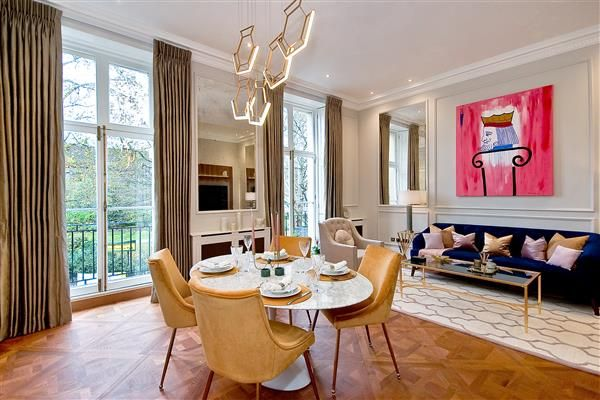 Thumbnail Flat for sale in Cadogan Place, London