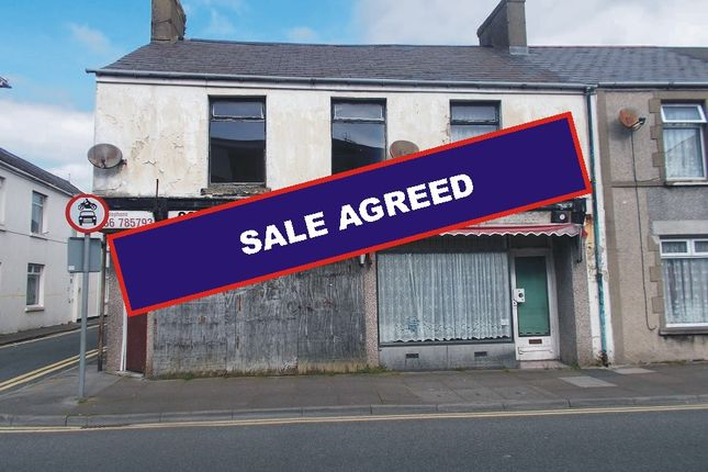 Thumbnail Flat for sale in New Road, Porthcawl