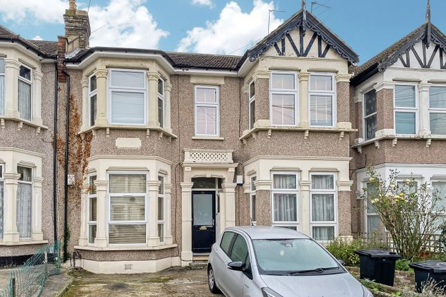 1 bed property for sale in Kensington Gardens, Ilford IG1