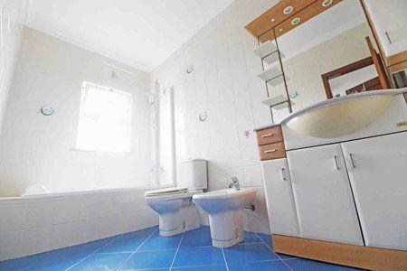 Image 10 4 Bedroom Villa - Central Algarve, Faro (Pv3541)