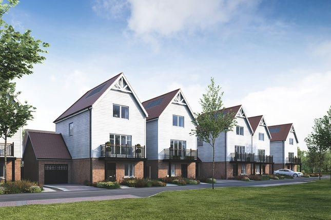 Thumbnail Town house for sale in Coppice Drive, Dunton Green, Sevenoaks