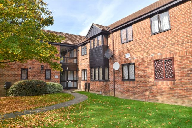 1 bed flat for sale in Ashmere Close, Calcot, Reading