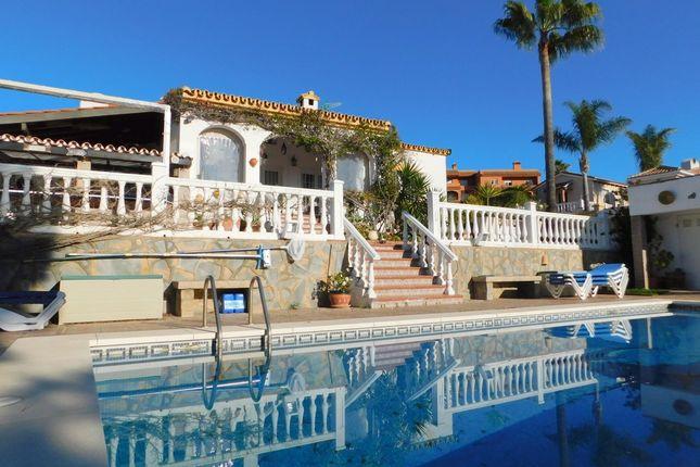 Thumbnail Villa for sale in Hacienda Guadalupe, Duquesa, Manilva, Málaga, Andalusia, Spain