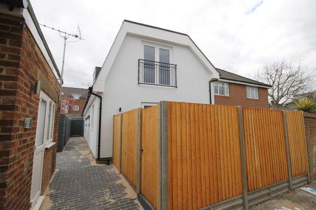 Thumbnail Flat for sale in Barnum Close, Sutton