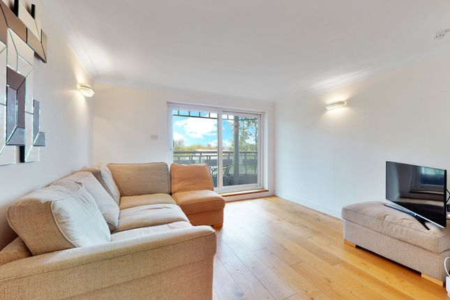 Thumbnail Flat to rent in 39, London