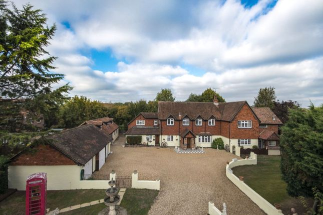 Thumbnail Country house for sale in Sandford Lane, Woodley, Reading
