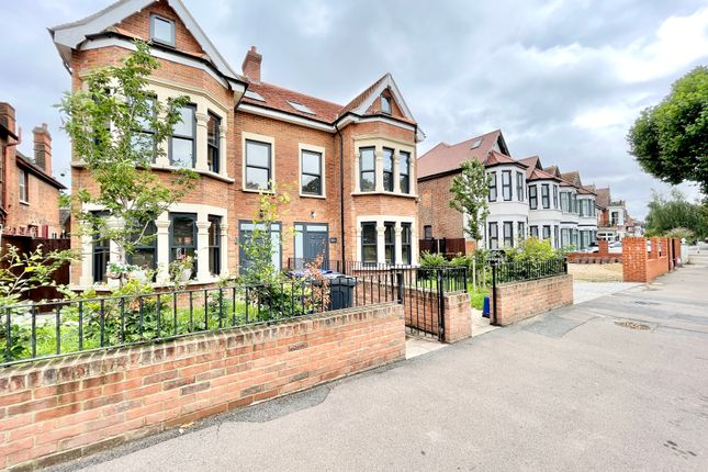 Thumbnail Terraced house to rent in Aldersbrook Road, Wanstead
