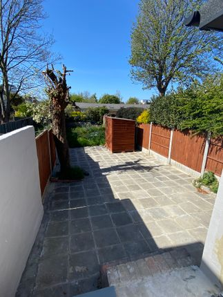 6 bed detached house to rent in Fairlop Road, London E11