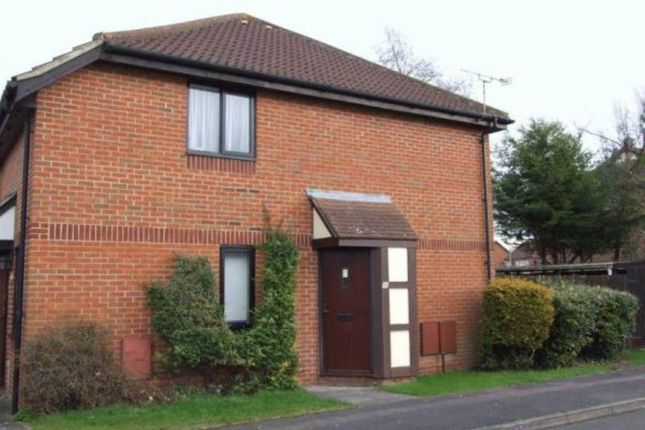 Thumbnail Property to rent in Linacre Close, Didcot, Oxfordshire