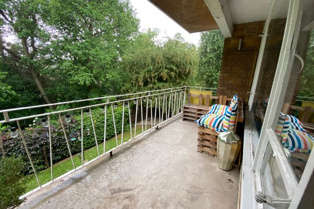 Thumbnail Flat for sale in Morfa Gardens, Coventry