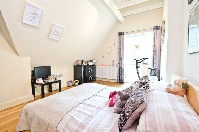 Bedroom of Limb Lane, Dore, Sheffield S17
