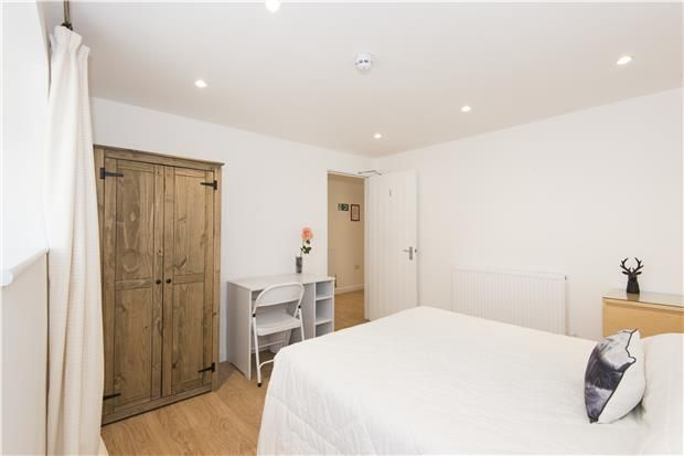 Thumbnail Flat to rent in Basement Flat, Lower Oldfield Park, Bath