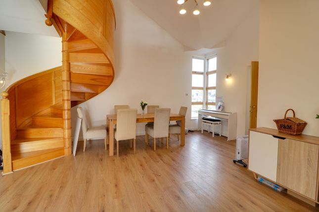 Thumbnail Flat for sale in Petersfield, Cambridge