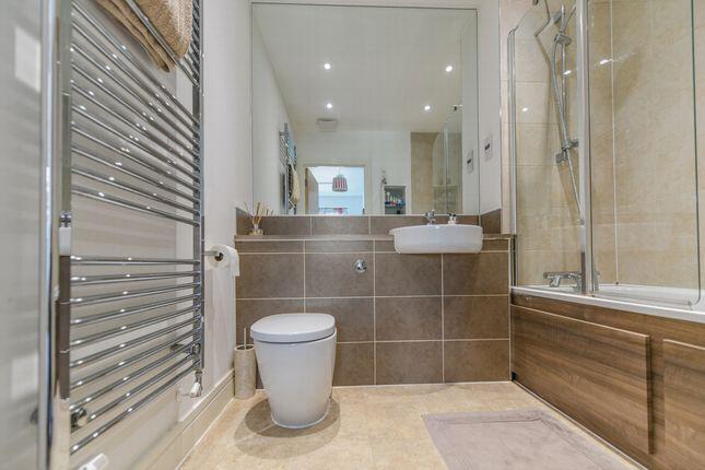 Bathroom of Weir Road, Bexley DA5