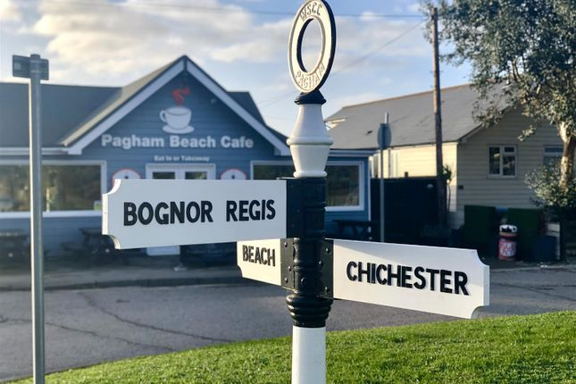 Surrounding Area of The Parade, Pagham, Bognor Regis PO21