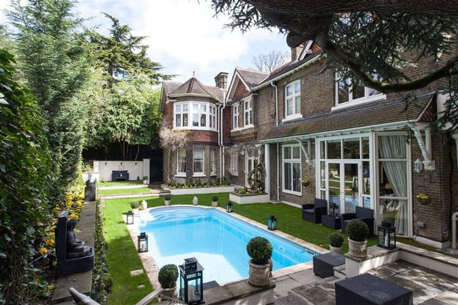 Thumbnail Semi-detached house to rent in Frognal, Hampstead