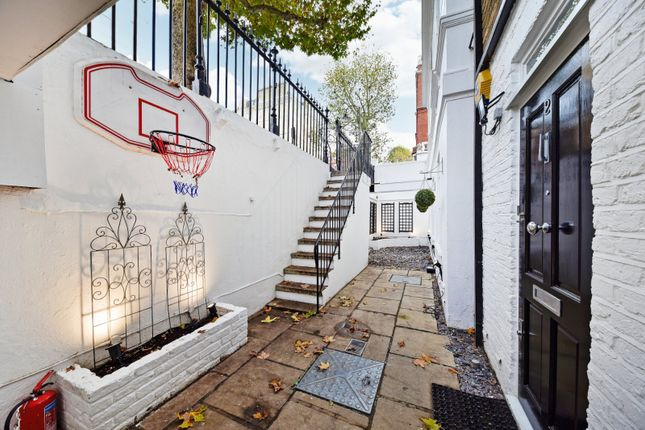 Picture No. 13 of Collingham Road, London, London SW5