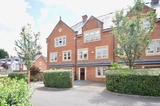 Thumbnail Town house for sale in Lavender Close, Leatherhead