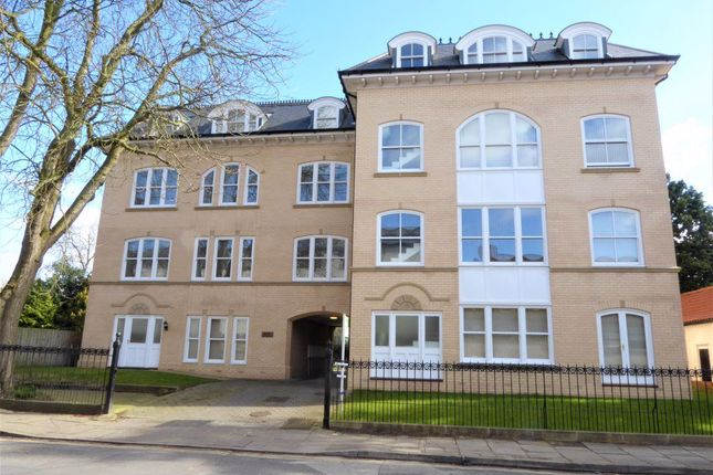 Thumbnail Flat to rent in Driffield Terrace, York