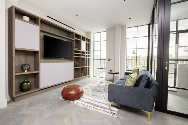 Thumbnail Flat to rent in Back Hill, London