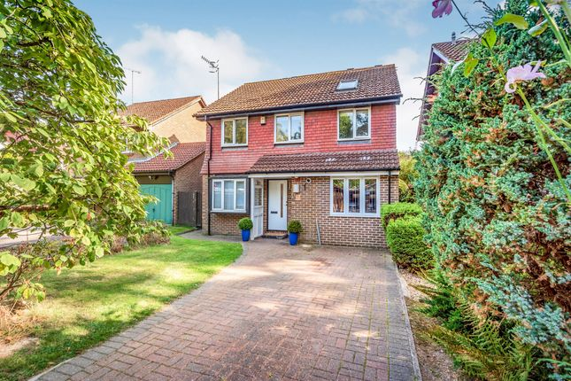 Thumbnail Detached house for sale in Spring Gardens, Copthorne, Crawley
