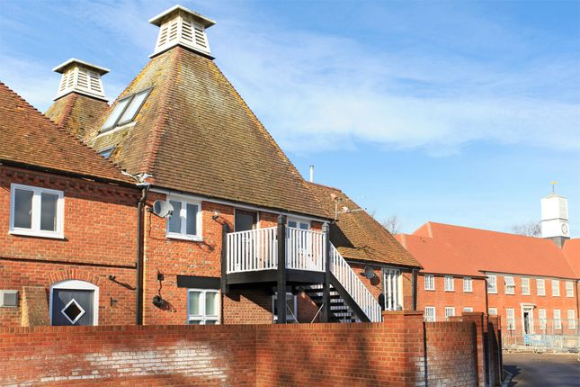 Thumbnail Maisonette to rent in Oast Lane, Upper Froyle, Hampshire
