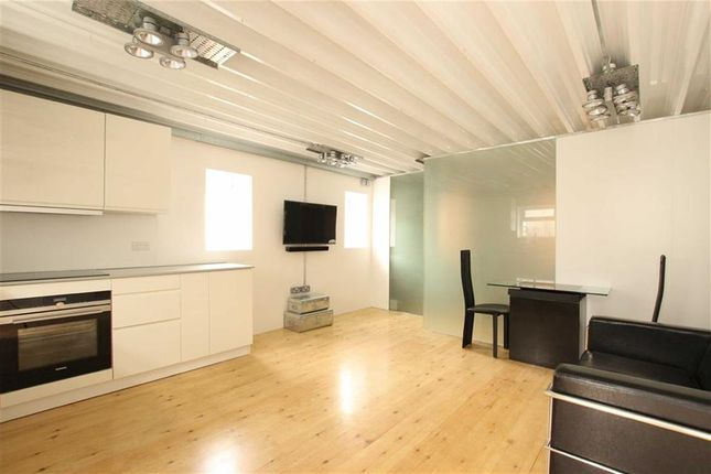 Thumbnail Property for sale in Scout Way, Mill Hill, London