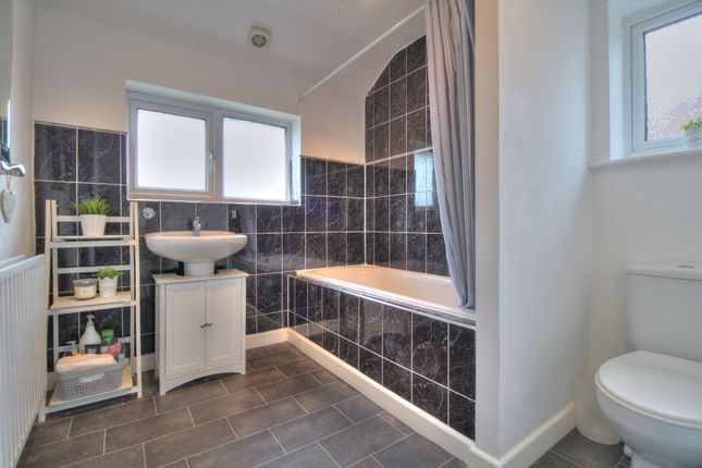 Bathroom of Barnsfold, Fulwood, Preston PR2