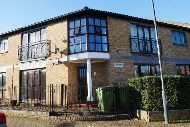 Thumbnail Flat to rent in Pitfield Crescent, Thamesmead West