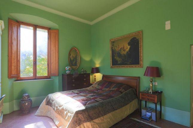 Green Bedroom of Villa Prosperini, Calzolaro, Citta di Castello, Umbria