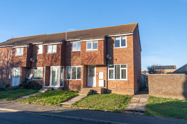 End terrace house to rent in Pelham Close, Peacehaven