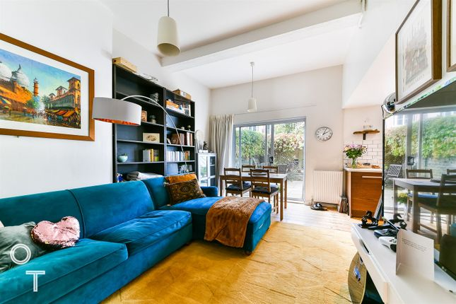 Thumbnail Flat to rent in Marlborough Road, London