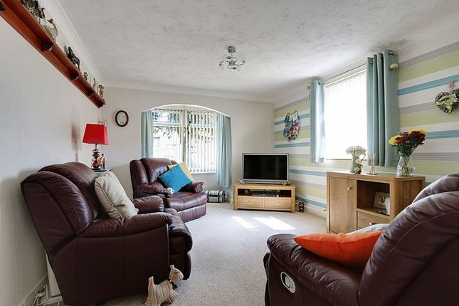 Thumbnail Flat for sale in Regis Court, Hull
