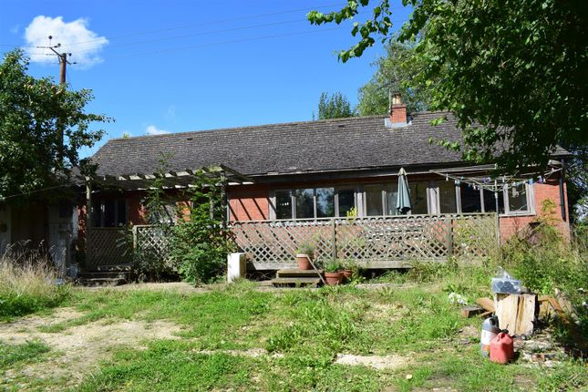 Thumbnail Detached bungalow for sale in Banbury Road, Pillerton Priors, Warwick