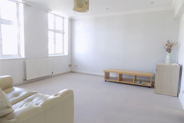 Thumbnail Flat to rent in Cornfield Terrace, Eastbourne