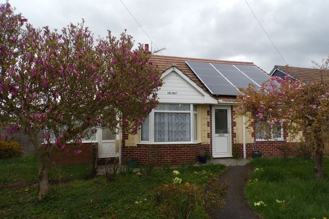 3 bed detached bungalow to rent in Landkey Road, Barnstaple EX32