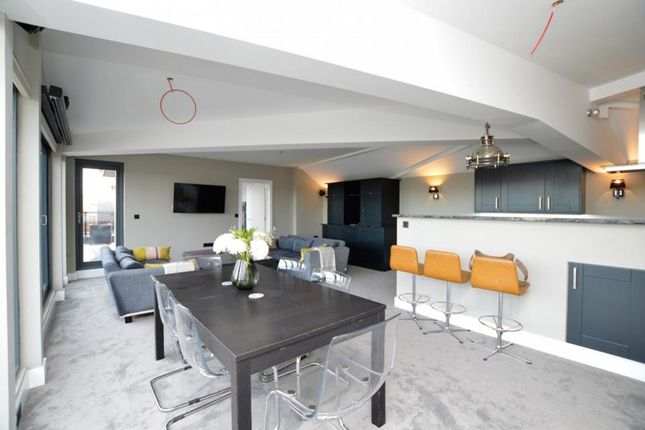 Thumbnail Flat to rent in Bell Yard Mews, London