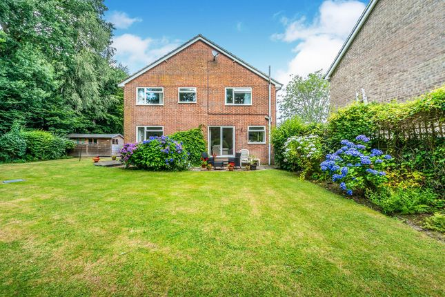 Thumbnail Detached house for sale in Westway, Copthorne, Crawley