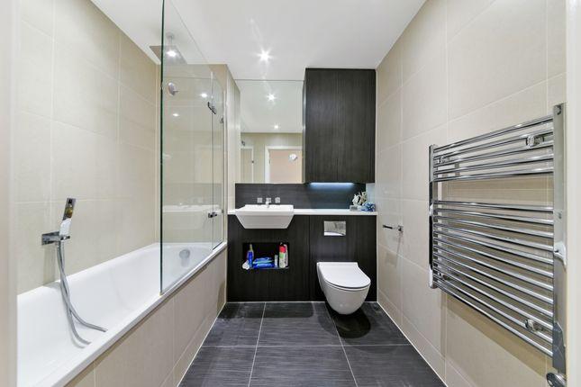 Bathroom of Pinnacle Apartments, Saffron Square, Croydon CR0