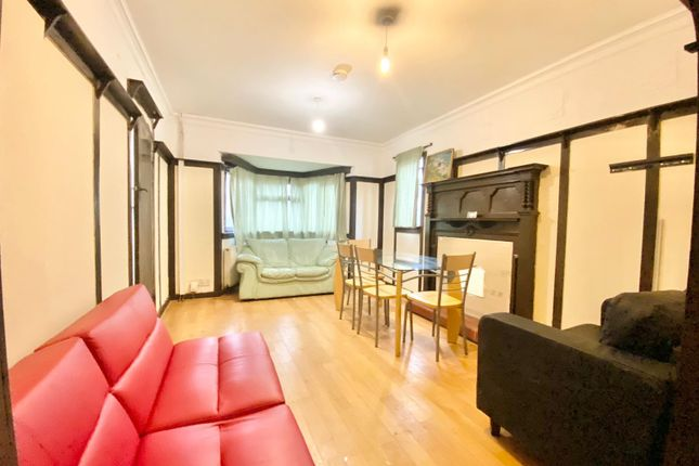 Thumbnail Shared accommodation to rent in Shard End Crescent, Birmingham