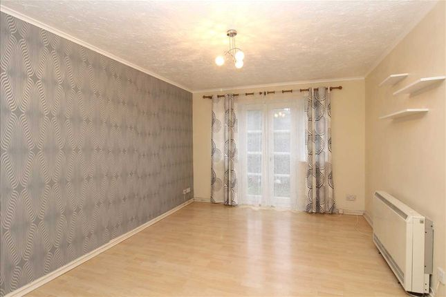 Lounge of Ensign Close, Leigh-On-Sea SS9